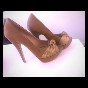 Colin Stuart heels 7.5